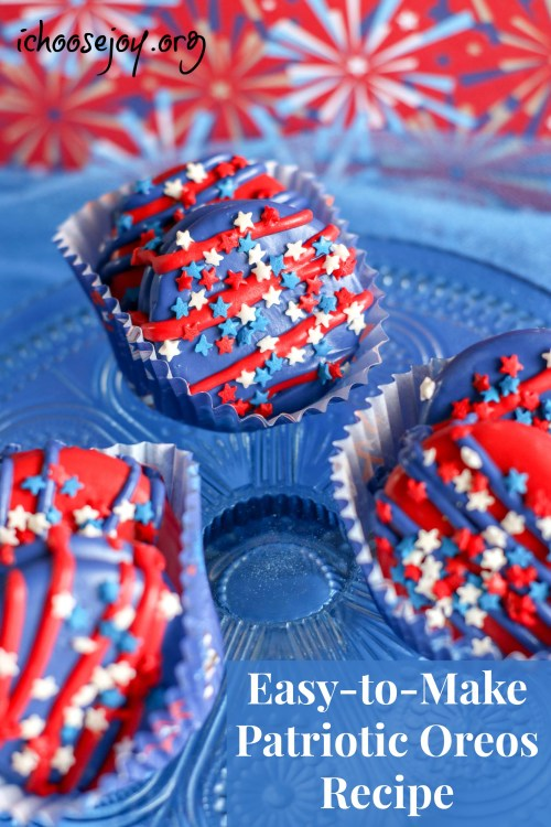 Patriotic Oreos Recipe decorated cookies for Fun Kid Activities for the Fourth of July. #ichoosejoyblog #cookies #fourthofjuly #cookierecipe