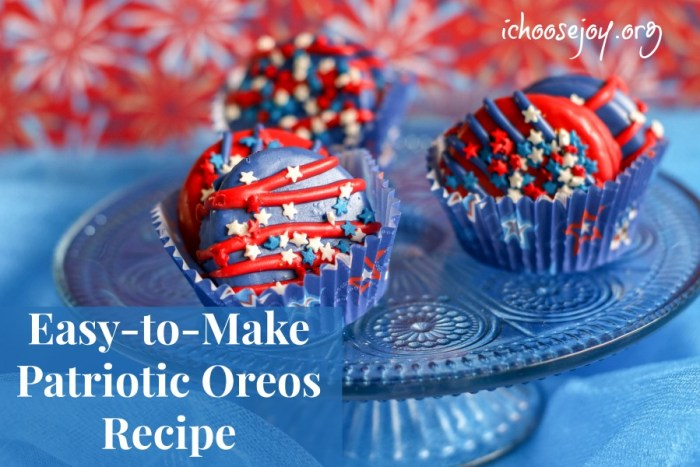 Patriotic Oreos Recipe decorated cookies Fun Kid Activities for the Fourth of July. #ichoosejoyblog #cookies #fourthofjuly #cookierecipe