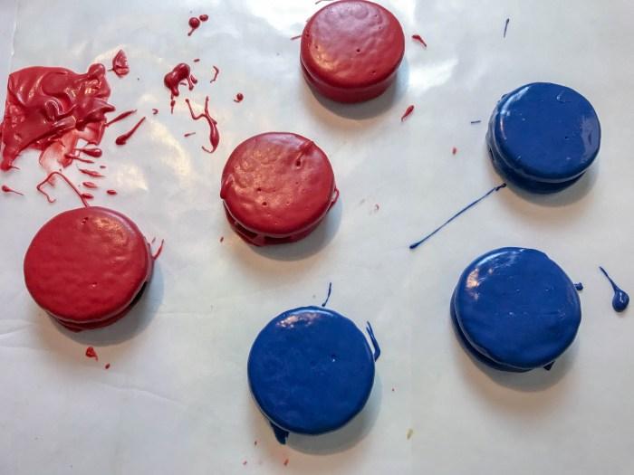 Patriotic Oreos Recipe decorated cookies #ichoosejoyblog #cookies #fourthofjuly #cookierecipe