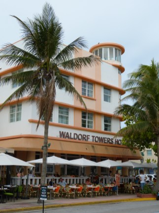 Art Deco - Waldorf Towers Hotel