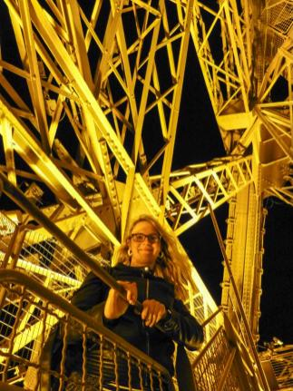 Auf den Stufen des Eiffelturms