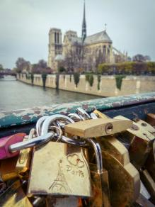 Frankreich Paris Notre Dame de Paris Kathedrale Kirche Gotik Île-de-la-Cité Seine Brücke Pont des Arts Liebesschloss