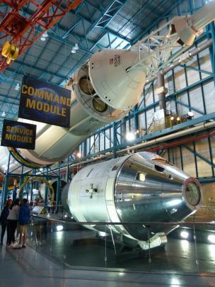 Saturn Rakete von vorne-1200x900