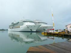 Kreuzfahrtschiffe im Hafen-1200x900
