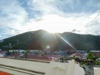 Sonnenstrahl über Hügel auf St.Thomas-1200x900
