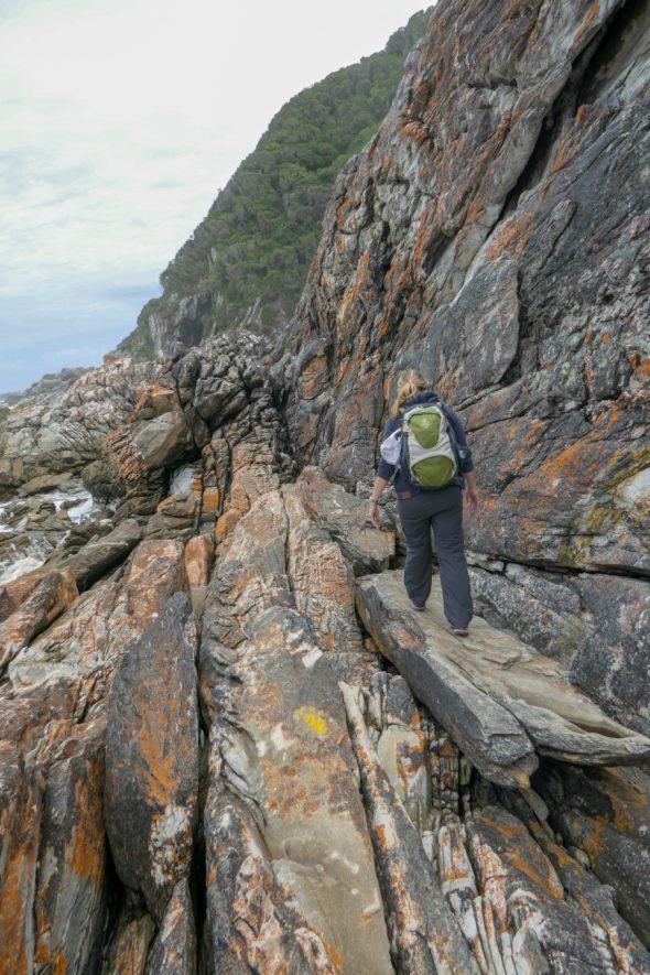 Südafrika Tsitsikamma Nationalpark Waterfall Trail Wasserfall Felsen Wanderung