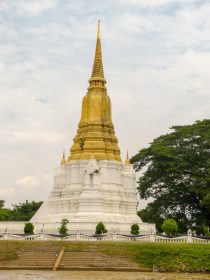 Thailand Ayutthaya Chao Phraya Bootsfahrt Reisbarke Tempelruinen