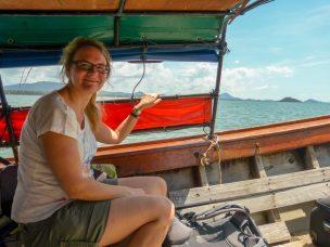 Thailand Koh Ngai Koh Hai Insel Andamanensee Inselparadies Meer Kalkfelsen Fähre Longtailboot