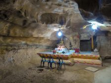 Thailand Khao Sok Nationalpark Dschungel Kajaktour Höhle Wararam Cave Tempel