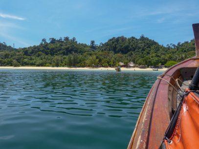 Thailand Koh Ngai Koh Hai Insel Andamanensee Inselparadies Meer Kalkfelsen Fähre Mayalay Beach Resort
