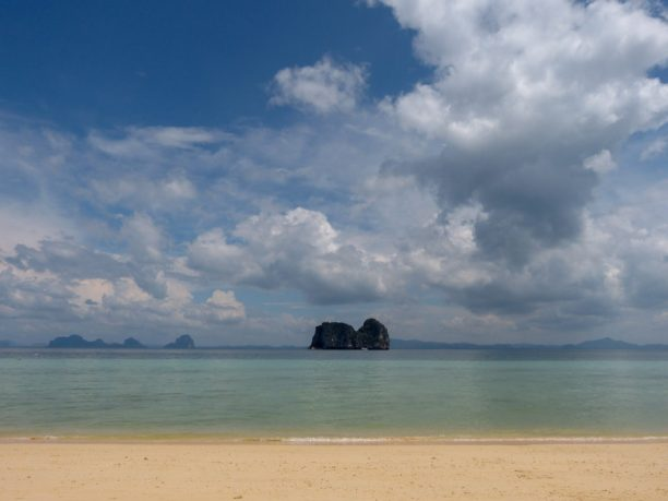 Thailand Koh Ngai Koh Hai Insel Andamanensee Inselparadies Strand Meer