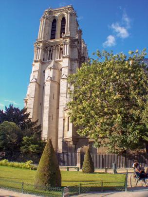 Frankreich Paris Notre Dame de Paris Kathedrale Gotik Kirchenschiff Glockenturm Südturm