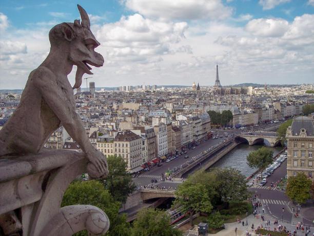Frankreich Paris Notre Dame de Paris Kathedrale Glockenturm Turm Turmbesteigung Galerie Gargouille Gargoyle Wasserspeier Teufel Dämon Ausblick Seine Eiffelturm