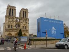Frankreich Paris Notre Dame de Paris Kathedrale Gotik Fassade Glockentürme Parvis Vorplatz 850 Jahre Jubiläum