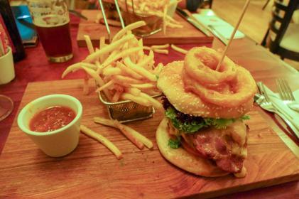 Südafrika South Africa Hermanus Burgundy Restaurant Abendessen Burger