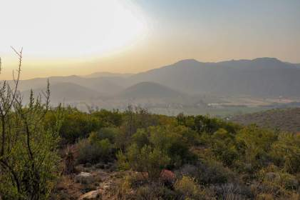 Südafrika South Africa Kleine Karoo Oudtshoorn Schoemanshoek Le Petit Karoo Ranch Safarizelt Ausblick Berge Swartberge