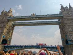 Großbritannien England UK London Themse Bootsfahrt River Thames Cruise Boot Tower Bridge
