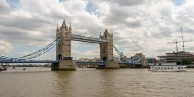 Großbritannien England UK London Tower Bridge Themse Ufer Wahrzeichen