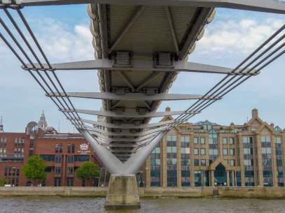 Großbritannien England UK London Themse Bootsfahrt River Thames Cruise Boot Millenium Bridge Brücke