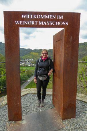 Deutschland Ahr Rotweinwanderweg Mayschoss Weinort Wandern