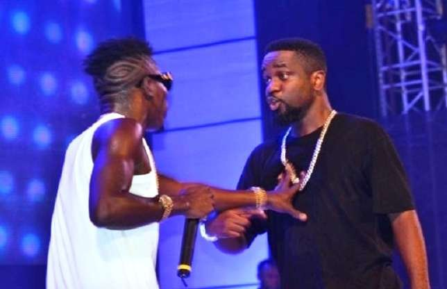 Sarkodie debunks 'Oofeetsɔ' was a diss to Shatta Wale.