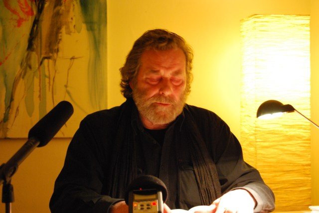 Wolfgang Schiffer liest isländische Lyrik im Kölner Kultursalon Freiraum