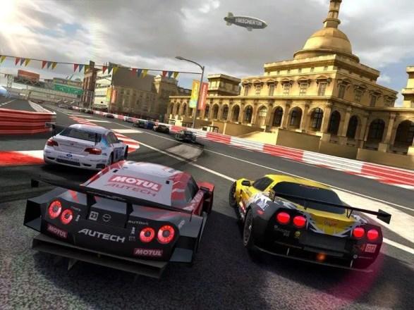 Real Racing 2 HD - Screenshot