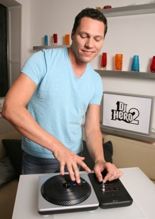 DJ Tiesto spielt DJ Hero 2