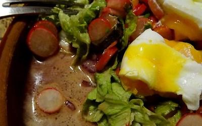 Salat mit sehr vielen Radieschen