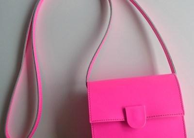 Handtasche in neonpink