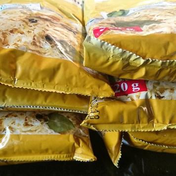 Das #Sauerkraut wird heute noch portionsweise mit Zwiebeln angebraten. Damit wird dann für morgen alles schon fertig sein, was Küchenverwüstungs-Potential hat.