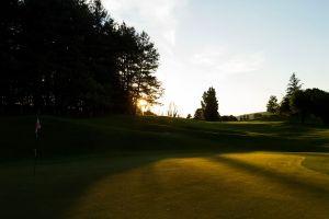campo da golf al tramonto