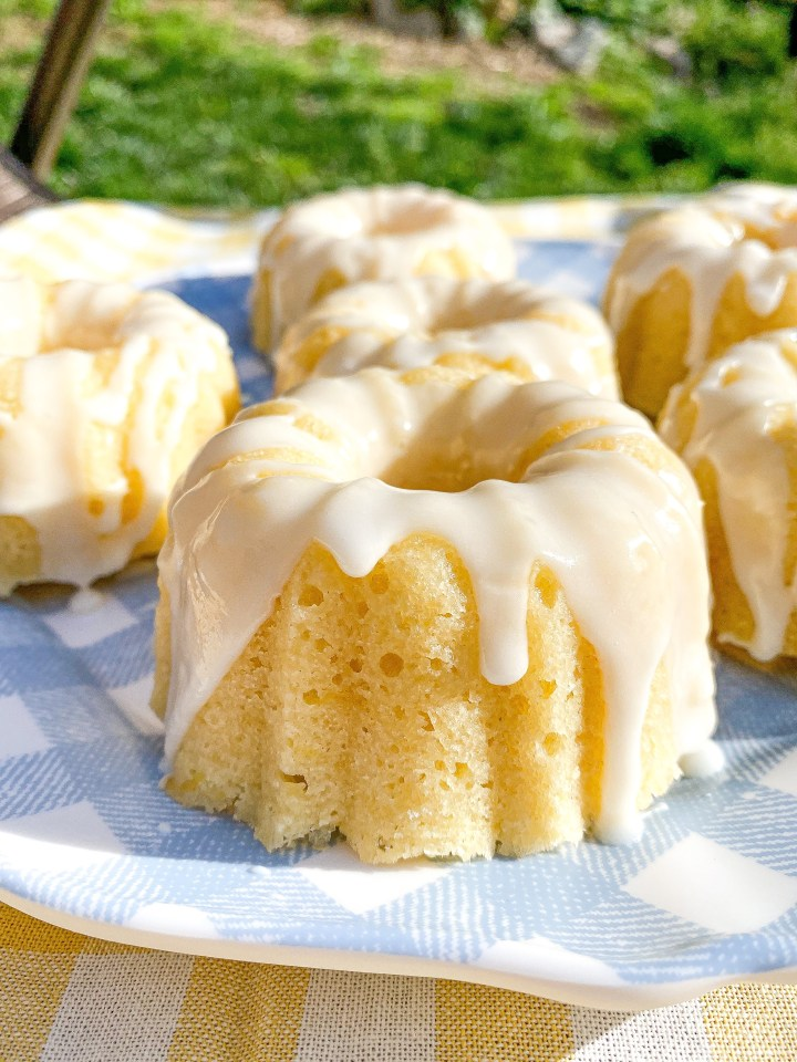 Mini Lemon Bundt Cakes