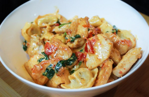 Chicken Tortellini With Spinach & Sun-Dried Tomatoes