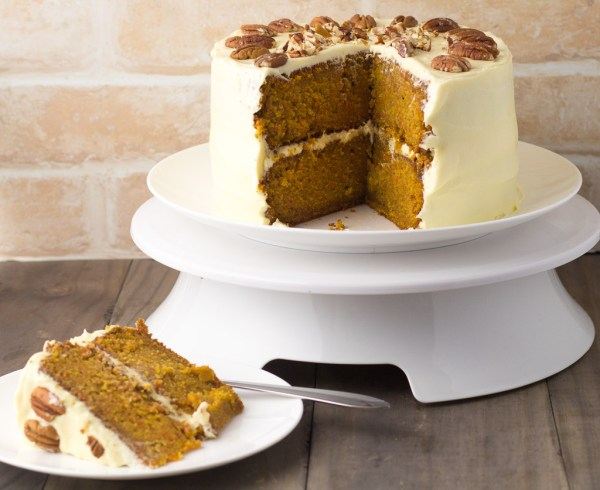 Carrot Cake With Vanilla Cream Cheese Icing