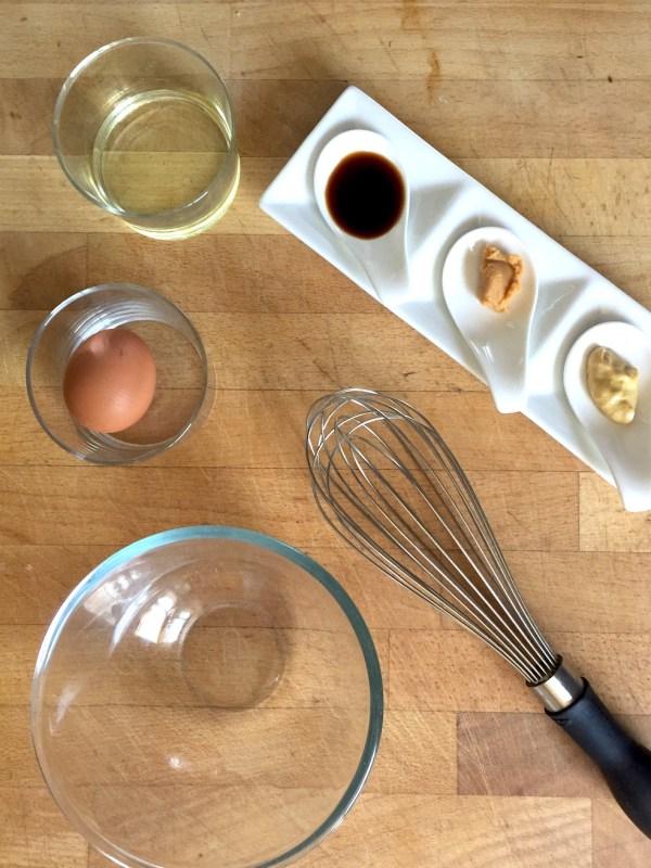 Réaliser une mayonnaise au miso et sauce soja