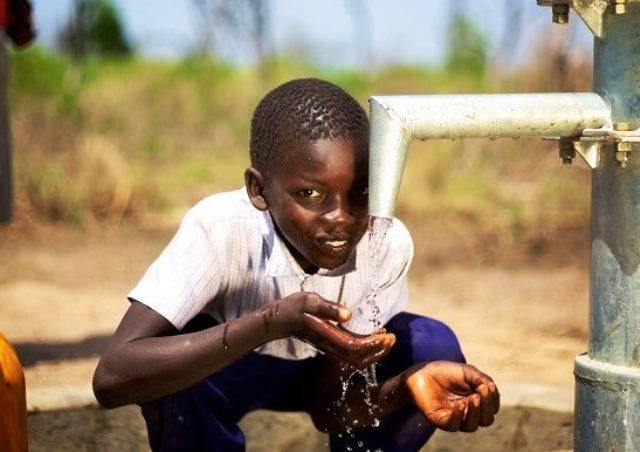 fg-inaugurates-water-project-in-jonathans-hometown-otuoke