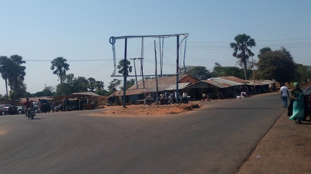 destroyed-billboard-in-samusa-kataf