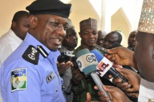 IGP Ibrahim Idris fielding questions from State House correspondents on Friday