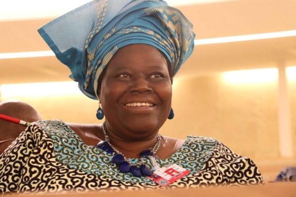 Nigerian Rebecca Dali receives her world humanitarian award3