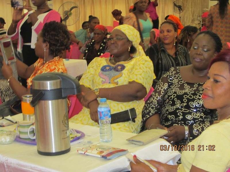 WOMEN: SHOMOLU MUSHIN WOMEN INVITES 135 VISITORS TO BREAKFAST
