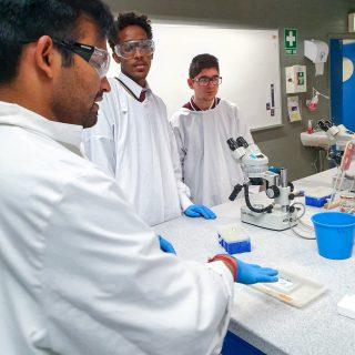 Students visiting Melbourne Uni