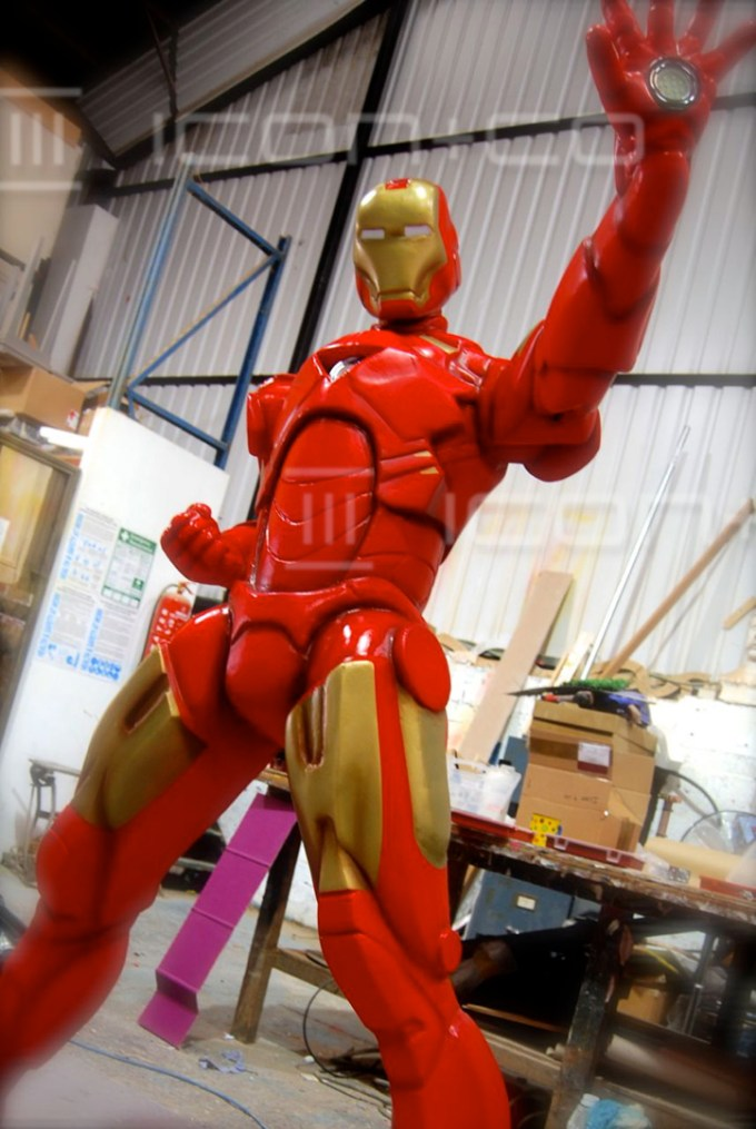 giant props, Iron Man, 3D movie prop, scenic artist for hire, children's bedrooms