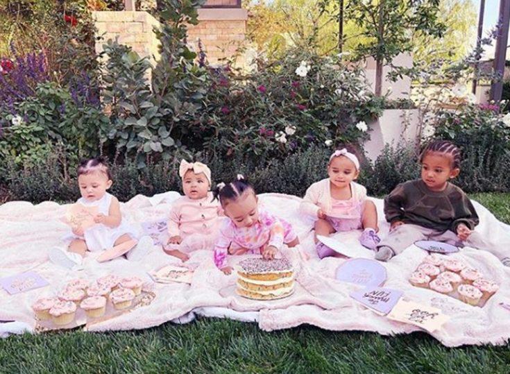 Kardashian Kids Throw a CUPCAKE Party! image