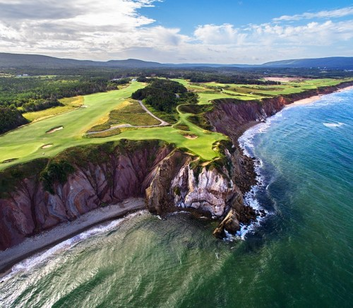 Cabot Cliffs Hole 16 Photo By Evan Schiller