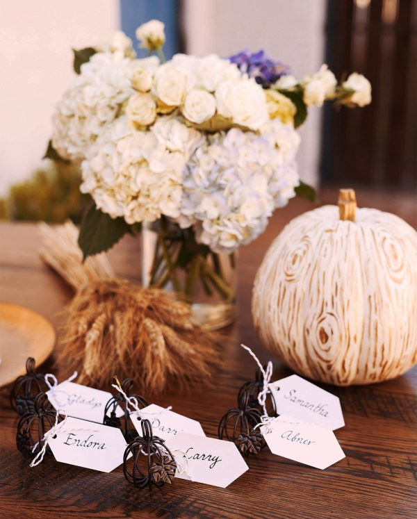 White Pumpkin and Flowers Fall Tablescapes