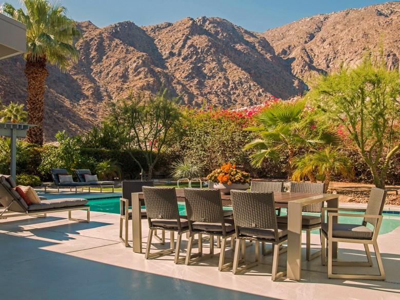 Mid-Century Modern Home Palms Springs CA - Patio