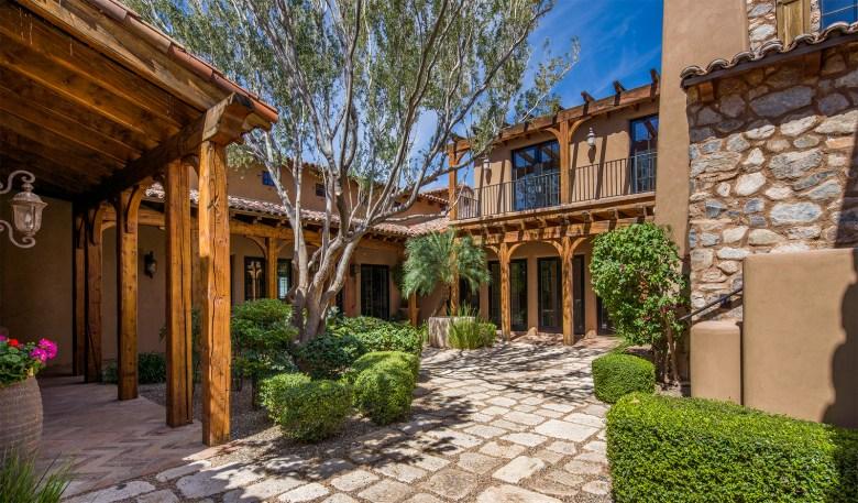Silverleaf Courtyard