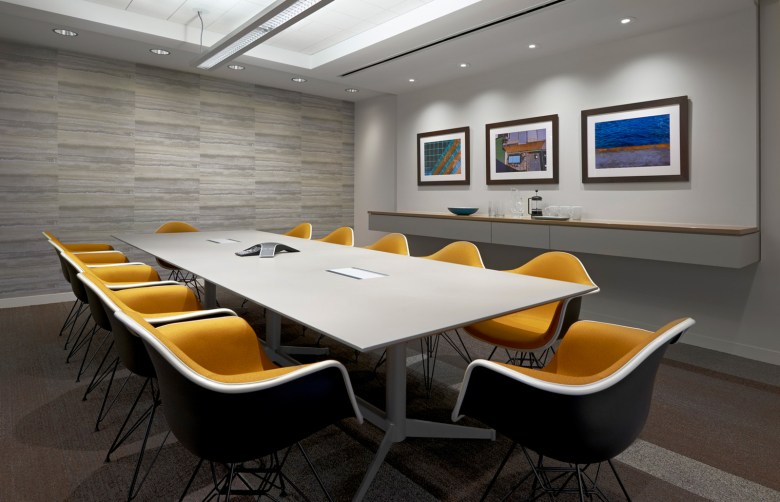 Searl Lamaster Howe Architect meeting room