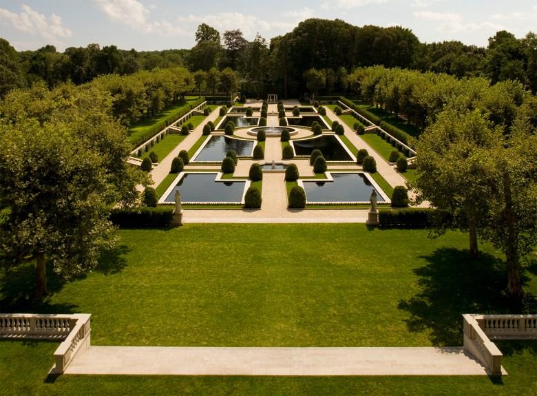Oheka Castle Gardens historic home vacation rentals